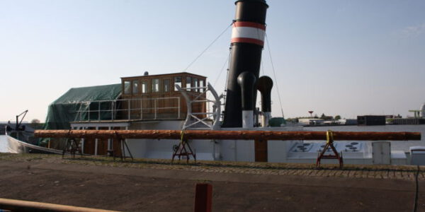 welle-mit-neuen-roh-Mast-1